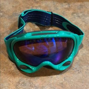 Oakley snowboarding goggles. In great condition